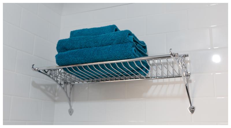 Towel rack ensuite Cashmere