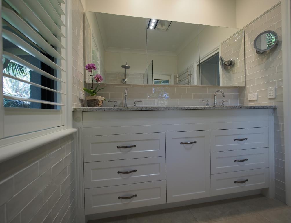 Custom Built Vanity For Bathroom Home Furniture Design - Custom made vanities for bathrooms