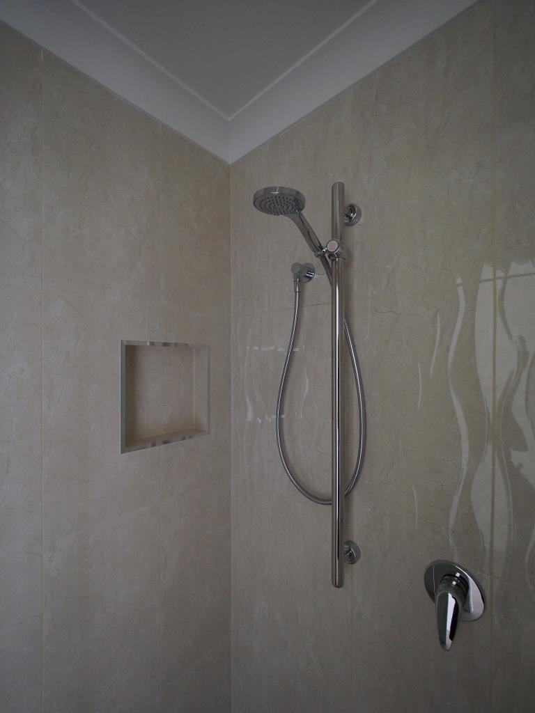 Floor tile white ripple bathroom tiles red bathroom floor tiles - Red Hill Queenslander This Spacious Bathroom Is Blessed With An Abundance Of Natural Light Which Brings Out The Best In The Carrara Marble Floor Tiles