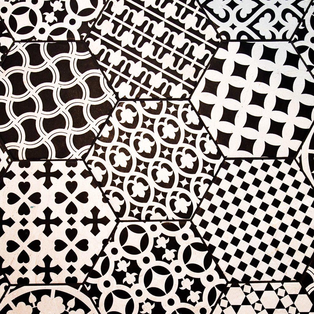 wavellheights_blackandwhitetiles_decorativetiles_hexagonaltiles